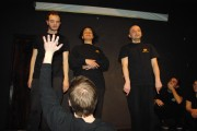 [Impro Paris 4x4 d'impro Café de Paris Trait d'union 140]